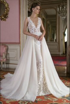 Brand new collection. I had the dress rush delivered for the big day! it has a…