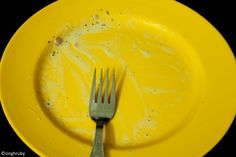 the yellow empty plate