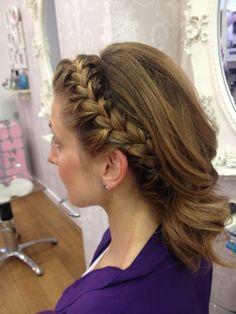 trenzas escondidas...Eva Pellejero Expertas en Novias!!! Eva Pellejero Beauty Salon, Sanclemente 7-9, 50001 Zaragoza Telf.976795152 #novias #beauty #beautysalon #evapellejero