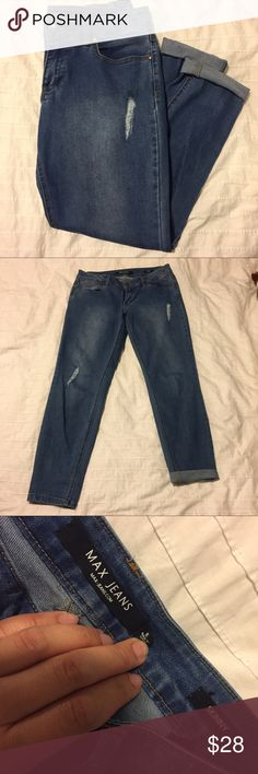 {Max Jeans} Skinny Jeans Skinny and slightly distressed skinny jeans. Light and comfy. They look cute cuffed! Max Jeans Jeans Skinny