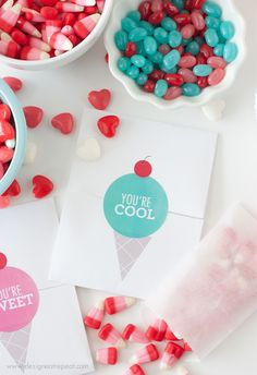 Free Printable DIY Valentines with Avery Labels  http://www.designeatrepeat.com/2014/01/free-printable-diy-valentines/