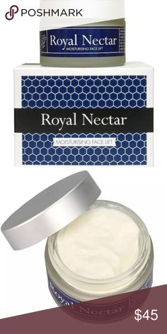 "New Zealand Royal Nectar Moisturising Face Lift Nelson Honey New Zealand Royal Nectar Bee Venom Moisturising Face Lift  BOTOX IN A BOTTLE  Contains Manuka Honey & Bee Venom Anti-ageing: ""natural alternative to Botox"" Contains NO Parebens A rapid anti-aging product    Nelson Honey's Royal Nectar Bee Venom Moisturising Face Lift is formulated for a rapid anti-ageing effect. A soothing blend of waxes and oils, Royal Nectar's Face Lift includes two products from New Zealand - Manuka honey and…"
