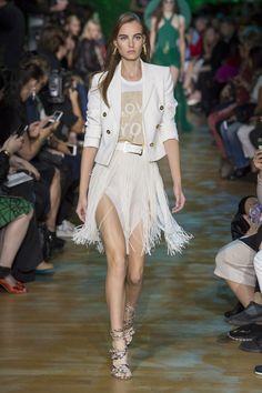 Elie Saab Spring 2018 Ready-to-Wear  Fashion Show - Estella Brons