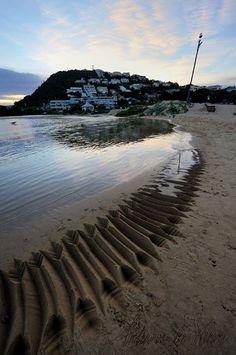 FACEBOOK 16 Aug Andrew vd Merwe. Beach Calligraphy fades to water. Site_Specific #LandArtBiennale. #LandArt