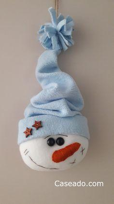 Sewn Christmas Ornaments, Handmade Christmas Decorations, Felt Decorations, Christmas Sewing, Christmas Wood, Felt Ornaments, Snowman Crafts, Felt Crafts, Holiday Crafts