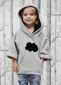 trui / poncho met capuchon,  luna hood: kids on the moon www.kidsfinest.nl Diy Roupas, Kids Girls, Baby Kids, 3 Kids, Cute Babies, Cute Kids, Kinder Outfits, My Little Girl, Little People