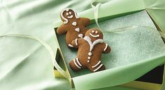 Your homemade cookies and cakes will make great gifst when packaged and decorated creatively!