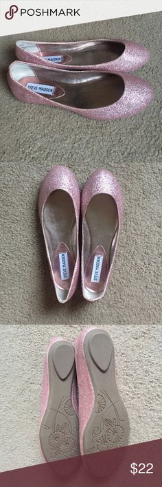 NWOT Women's Steve Madden Sparkle Flats Pink sz 6 Women's Steve Madden P-Heaven ballet flats in size 6. These pink glitter-covered shoes can be worn for a dressy occasion or to add a fun pop an everyday outfit. New without tags (NWOT). Never been worn, but a small amount of glitter is wearing off around edges from storage. All manmade materials. Steve Madden Shoes Flats & Loafers