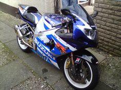 Suzuki GSX-R1000 - K1 Suzuki Gsx, Motorcycle Workshop, Suzuki Motorcycle, Gsxr 1000, Bmw, Repair Manuals, Twins, Motorcycles, Sport