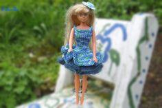 Puppenkleidung - enges Kleid mit 3 Stufen für Barbie *** blau-grün - ein Designerstück von Sabisilke bei DaWanda