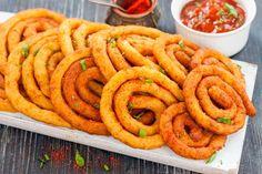 Le spirali di patate fritte sono un contorno molto originale, sfizioso e che si preparerà senza difficoltà. Ecco la ricetta