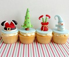 When it comes to Christmas party, we can't think of Christmas desserts, including cupcakes, cheesecakes and cookies. Christmas Cupcake Toppers, Christmas Cupcakes Decoration, Holiday Cupcakes, Snowman Cupcakes, Easter Cupcakes, Flower Cupcakes, Xmas Food, Christmas Sweets, Christmas Baking