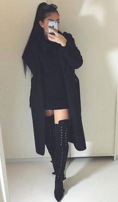 Passion for fashion, black outfits, all black outfit, winter outfits, cute outfits Mode Outfits, Casual Outfits, Fashion Outfits, All Black Outfits For Women, Black Women, Formal Outfits, Fashion Clothes, Fashion Trends, Fashion Killa
