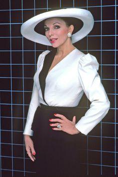Joan Collins as Alexis Colby for Dynasty. Resultados de la Búsqueda de imágenes de Google de http://andredeveaux.com/wp-content/uploads/2010/12/Alexis.jpg