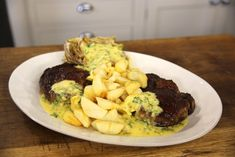 Cook your steak to perfection every time with this recipe where it is served with a classic Béarnaise sauce. Beef Recipes, Cooking Recipes, Recipies, Bearnaise Sauce, Easy Starters, Great British Chefs, Marinade Sauce, Beef Steak, Venison