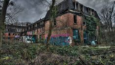 The 15 creepiest abandoned places in Britain you'd NEVER spend the night in – The Sun Abandoned Places In The Uk, Abandoned Cities, Abandoned Mansions, Abandoned Houses, Abandoned Hospital, Abandoned Amusement Parks, Homes England, Old Churches, Ghost Towns