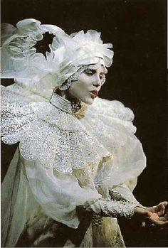 A more uncommon picture of the Character of Lucy in Bram Stoker's Dracula.  By Eiko Ishioaka