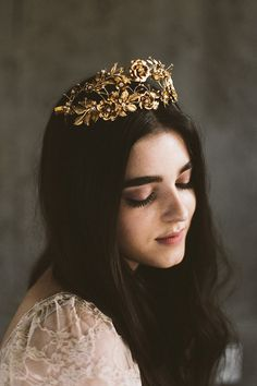 Mignonne Headpieces, Halos, Crowns & Veils | Autumn & Winter 2015 see more at http://www.wantthatwedding.co.uk/2014/11/27/mignonne-headpieces-halos-crowns-veils-autumn-winter-2015/