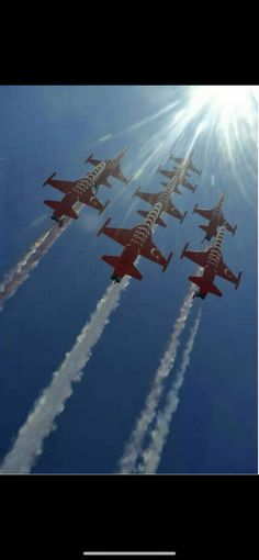 The Turkish Stars - Atpl Theorie - Air Force Turkish Soldiers, Turkish Army, Air Fighter, Fighter Jets, Air Force, Helicopter Plane, Aerial Acrobatics, Airplane Photography, Airplane Fighter