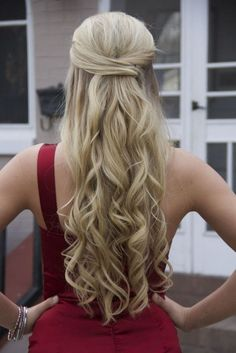 Half Up Half Down Curly Prom Hairstyles for Long Hair | Curly Hairstyles For Prom Night Half Up Half Down Twist