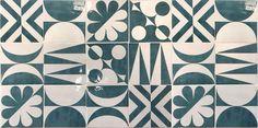 Riflessi del Tempo è la nuova collezione di #AnticheFornaciDAgostino. Liberamente ispirata ai decori <<Blu Ponti>>, di #Giò #Ponti per Parco dei Principi di Sorrento, rappresenta un omaggio alla storia della ceramica e del design Made in Italy.