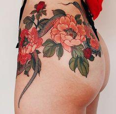 Tattoo art : snake & flowers   issyparis