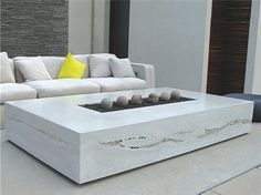 Space inside the walls of the fire pit is called a table. The total functioning of DIY fire pit table is possible only in dry, sunny conditions. Fire Pit Table, Diy Fire Pit, Fire Pit Backyard, Cheng Concrete, Diy Concrete, Concrete Projects, Concrete Design, Concrete Countertops, Polished Concrete