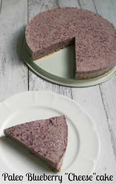 "No-Bake Paleo Blueberry ""Cheese""cake"
