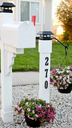Curb Appeal: Project Mailbox Makeover - Tidbits Upgrade your curb appeal by giving your mailbox a makeover! Step by step instructions for this cottage style customized mailbox and address post. Mailbox Makeover, Diy Mailbox, Patio Makeover, Mailbox Ideas, Mailbox Post, Porch Ideas, Outdoor Projects, Home Projects, Outdoor Decor