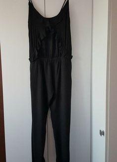 Kup mój przedmiot na #vintedpl http://www.vinted.pl/damska-odziez/inne-ubrania/16710038-czarny-kombinezon-zara-falbany-cienkie-ramiaczka