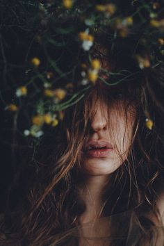 Tangled up (Nishe) Dreamy Photography, Portrait Photography Poses, Portrait Poses, Artistic Photography, Photography Women, Creative Photography, Aesthetic Photo, Aesthetic Pictures, Foto Pose