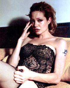 Анджелина Джоли (Angelina Jolie), фото разных лет