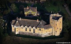 Stokesay Castle Shropshire, England. www.castlesandmanorhouses.com Stokesay Castle is a fortified manor house built in the late 13th century by Laurence of Ludlow, then the leading wool merchant in England. Laurence's descendants continued to own the...