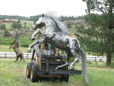 Moving a life sized horse sculpture the easy way. www.metal2sculpture.com