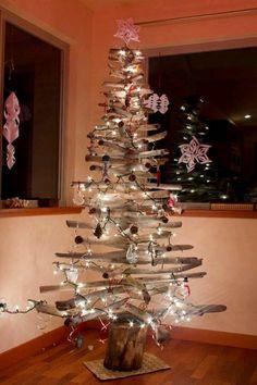 Albero Di Natale Legno Fai Da Te.21 Fantastiche Immagini Su Alberi Di Natale In Legno Nel 2018