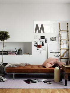 Random Inspiration 83 | Architecture, Cars, Girls, Style & Gear | kunne vært en ide på rommet ved siden av bad, dersom speilskap skal bygges inn.