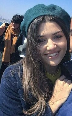 The Gifts that Keeps On bouncing Early morning BooBers be a bouncing Beautiful Celebrities, Beautiful Actresses, Beautiful Women, Turkish Beauty, Indian Beauty, Cute Love Stories, Hande Ercel, Cute Actors, Cute Beauty