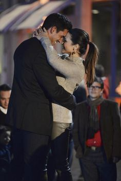 Bachelorette 2014 Spoilers: Josh Murray and Andi Dorfman's PDA-Filled Date! (PHOTOS)
