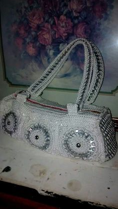 . My Bags, Purses And Bags, Soda Tab Crafts, Pop Can Tabs, Soda Tabs, Pop Cans, Diy Purse, Recycled Crafts, Crochet Accessories