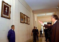 MARZO 24, 2004 Nestor Kirchner ordena bajar el cuadro del dictador Videla del Colegio Militar de la Nacion