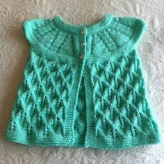Tasha in her top Sirdar Knitting Patterns, Baby Cardigan Knitting Pattern, Knitting Stitches, Knitting For Kids, Easy Knitting, Baby Patterns, Knit Patterns, Crochet Baby, Knit Crochet
