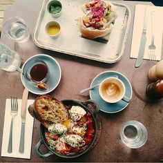 Look no further to find delicious brunches for a decent, affordable price. Broke in London has put together the best 15 places to eat a lazy brunch.