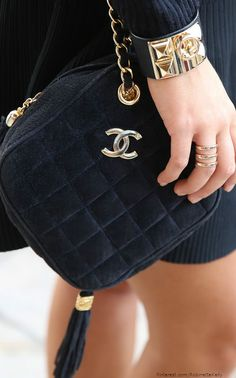 #noir quilted chanel...
