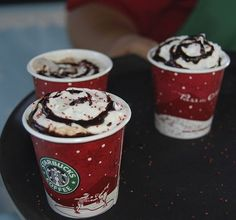 starbucks christmas cups <3