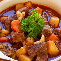 A delicous goulash recipe best served with some nice buttered egg noodles. Hungarian Goulash Recipe from Grandmothers Kitchen.