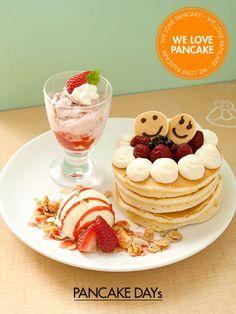 """Triple berry rarecheese pancake from """"PANCAKE DAYs"""" from Japan"""