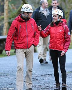 Kate Middleton and Prince William visit North Wales as she dresses casual | Daily Mail Online