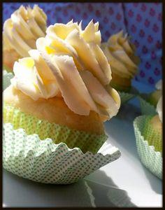 sweet melange: Kokosové cupcakes se Swiss Meringue Buttercream