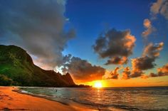 Hawaii sunset. credit: Prints Charming by Christel