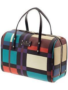 Kate Spade New York Perry Street Plaid Shawna New Handbags, Fashion Handbags, Tote Handbags, Fashion Bags, Ladies Handbags, Tokyo Fashion, Milan Fashion, Fashion Clothes, Fashion Beauty
